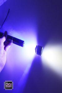 تولید نور سفید از لیزر آبی